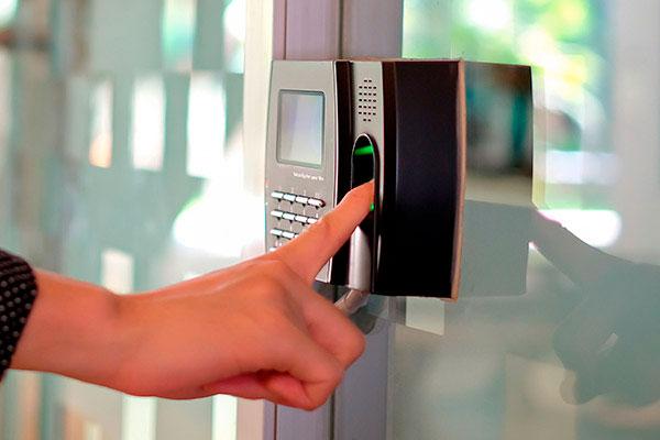 control-accesos-biometricos-seguridad